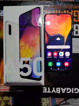 SAMSUNG A50 6 GB WHITE [4 Month Old Only]