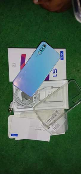 Vivo S1 mobile for emergency sale with box