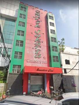 Gedung Ex Karaoke daerah Melawai Blok M