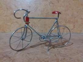 HOME DECORATION PIECE , STAINLESS STEEL WIRE MADE BICYCLE  MODEL .