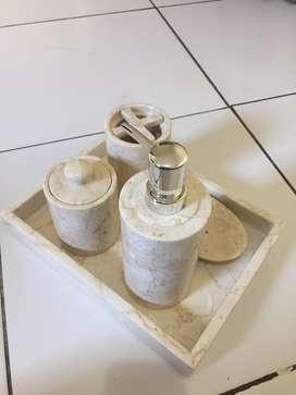 Shampoo Dispenser/Tempat Shampoo dan sabun