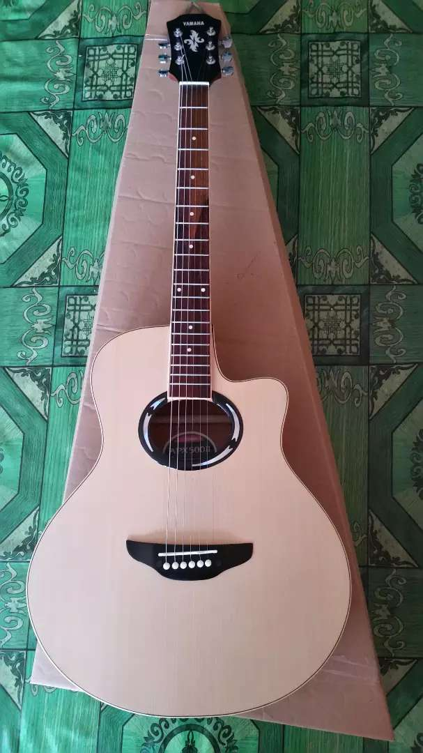 Gitar akustik yamaha apx natural 0