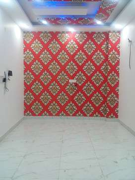 3 bhk semi furnished ready to move builder floor with lift and parking