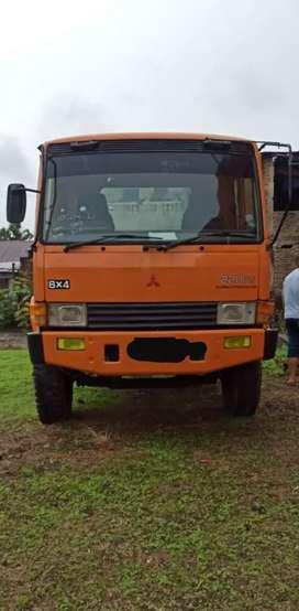 Dijual Mitsubishi Fuso Tronton 6x4 PS 220 FN 527 ML