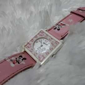 Mickey Jam Tangan Anak Kotak Pink Kulit