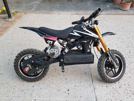 Kids Electric Dirt Bike - 36 volts - Almost New