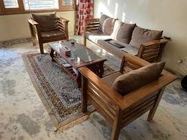 Mint Condition Pre-Owned Sofa Set (3+1+1), Coffee Table