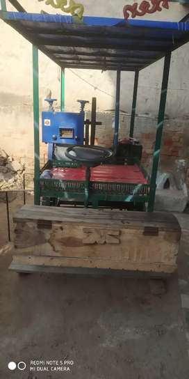 गन्ने का ताजा रस की मशीन ओके कंडीशन है एक मंथ हुआ है