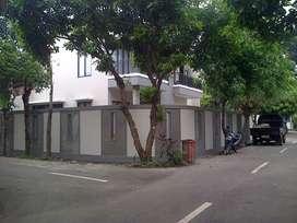 Rumah mewah 2 lantai siap huni tanah luas harga murah di jagakarsa