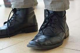 Sepatu Pantofel Varka Pria Mengkilat ukuran 42