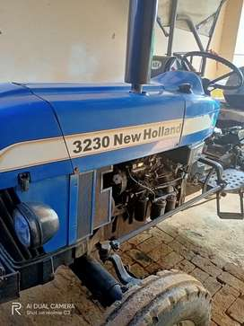 NEW HOLLAND TRACTOR(3230)