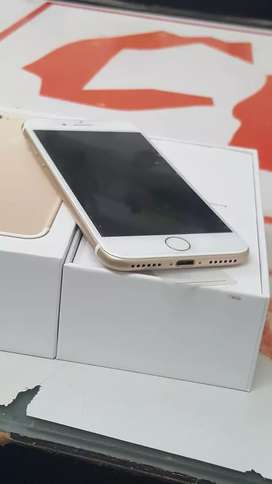 IPhone 7 32gb gold with Bill box and all accessories