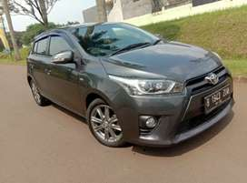 Toyota yaris G AT 1.5 2015 dan Toyota kijang Innova V 2.0 AT 2017