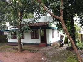 2 bhk 800 sqft house for rent at aluva near thottakattukara