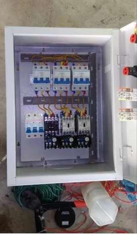 Teknisi listrik dan plumbing