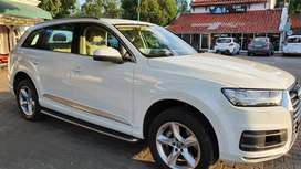 Audi Q7 2018, almost new, showroom condition