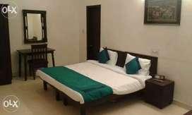 SAINI PG all facilities ((noida sector=62 & 63)) cheap price-4000/-