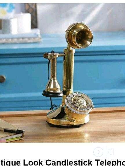 Antique look telephone working 0