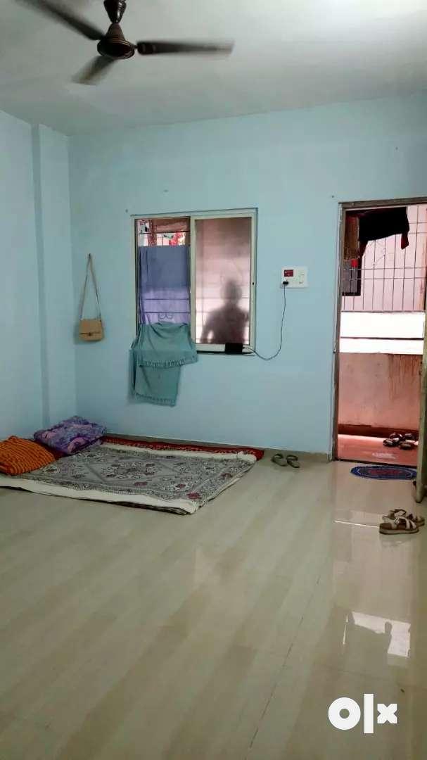 1 hk lavish flat on rent at kothrud for bachelors.. Prime location 0