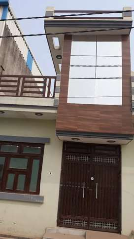 3 room set for sale in Raja Garden Mohan Enclave