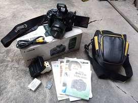 Kamera DSLR Canon 600d Layar Flip Box Fullset Nego