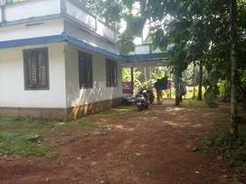 6 cent land and house sale in kaliyar ,good location,50mt From SH