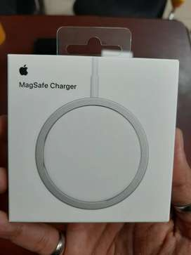 Apple Magsafe Charger Wireless (White)