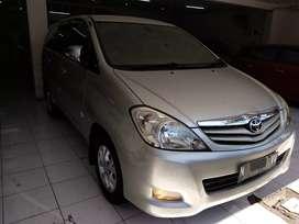 Toyota Kijang Innova G diesel manual 2011 siap pakai Inova G dsl mt