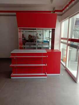 Meja kasir dan meja register