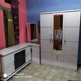 1 set meja rias + rak tv + lemari  stok ready