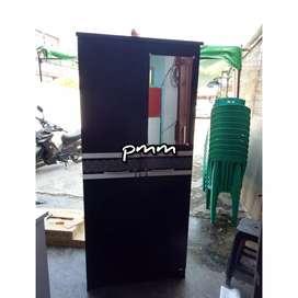 PMM lemari pakaian trendy black