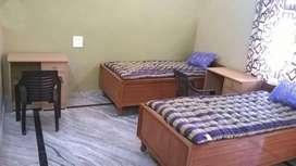 Fully Furnished Rooms Available for Students