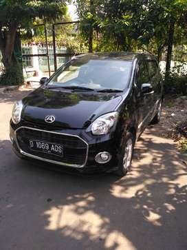 Dijual Mobil Daihatsu Ayla 1.0X M/T Plat D Hitam 2015