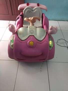 Mobil mainan aki
