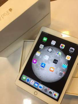 iPad air2 128gb ( Brand new condition }
