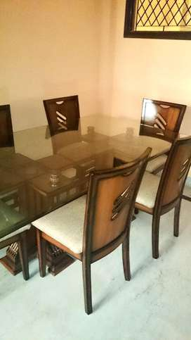 Dining Table (6 Seater - Glass top)