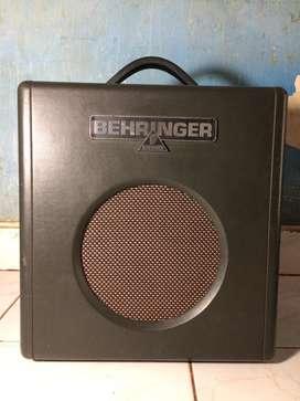 Amplifier Behringer BX108