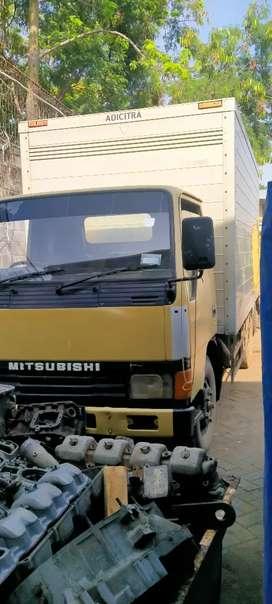Mitsubisi truck box tahun 2002