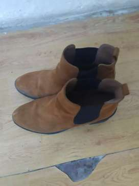 H& M Boots hardly used