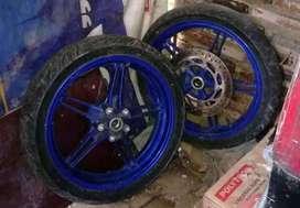 Velg R15 v2 original sepasang