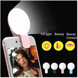 Portable Lampu LED Selfie Multifungsi Make Up Digunakan di Laptop & HP