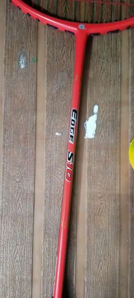 Only 2 days used apacs shuttle badminton edge s 10