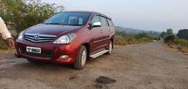 Toyota Innova 2009 v model Diesel Well Maintained