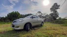 Kijang Innova 2.0 V 2010 Bensin