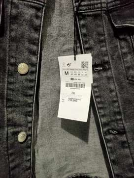 Jaket denim merek Zara