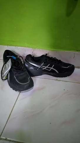 Sepatu Asics Gel Kayano hitam