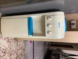 Voltas water dispenser and water cooler