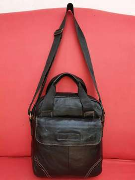 Tas import eks fashion hitam kulit asli tebal lentur for men