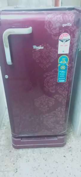 1.65L whirlpool fridge in a nice condition