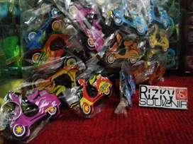 Souvenir gantungan kunci Vespa 1 sisi murah_Rizky Souvenir